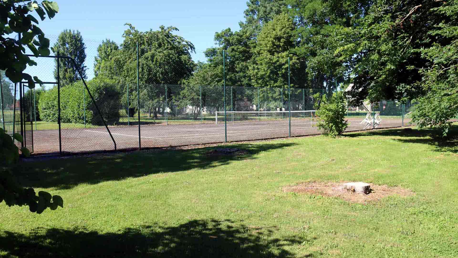 terrain de tennis en touraine
